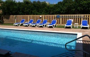 OBX Pool Cleaning